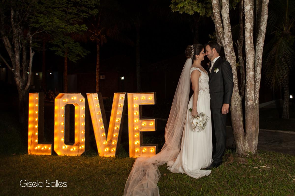 Cerimônia noturna em local aberto,iluminação perfeita Julio Jac,Decoração Emic,love