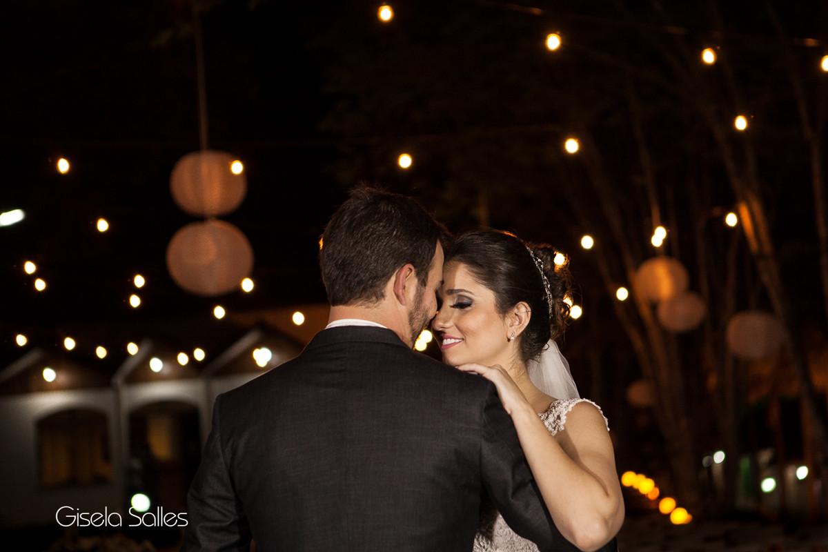 Ensaio após o casamento,fotografia de casmento Gisela Salles,casamento noturno com iluminação com luzinhas