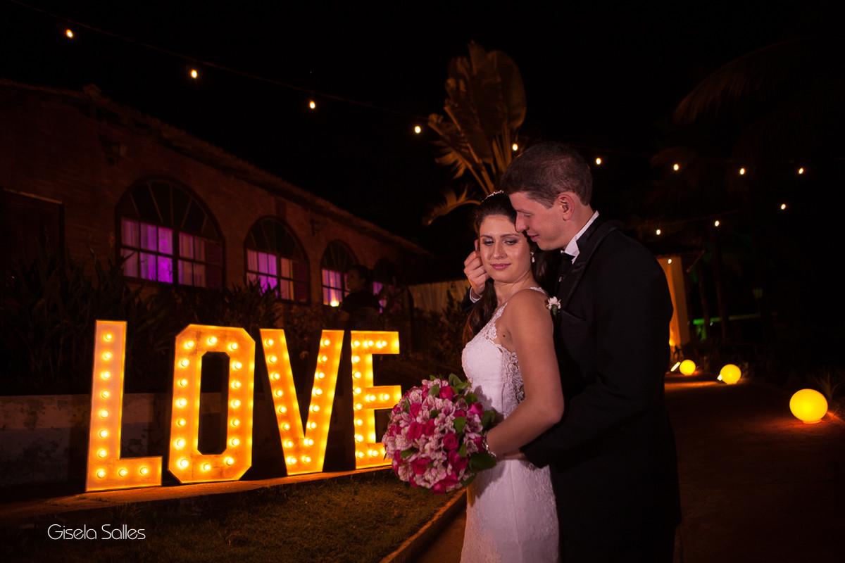 Festa de Casamento no Pesqueiro da Aldeia,Fotografia de Casamento Gisela Salles, iluminação noturna,ensaio do casal