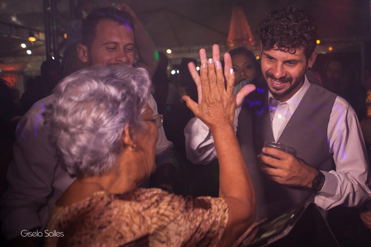 Fotografia Gisela Salles,fotografia de casamento,  convidados de casamento na pista de dança,  pista bombando no casamento, fotografia de Casamento Gisela Salles