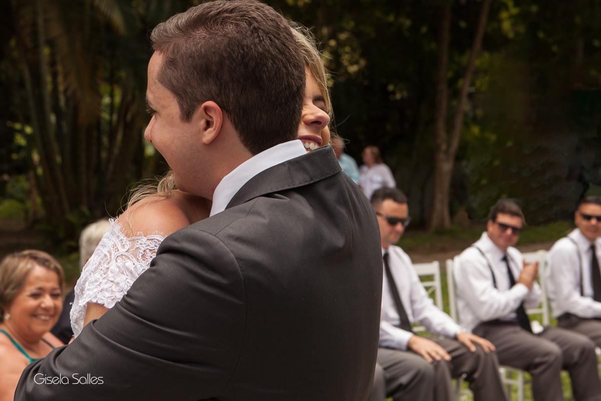 Fotografia Gisela Salles,fotografia de casamento,  cerimônia religiosa ao ar livre, cerimônia religiosa no campo, casamento no campo,votos pessoais dos noivos
