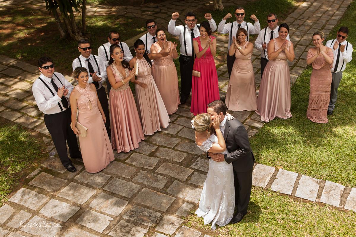 Fotografia Gisela Salles,fotografia de casamento,  cerimônia religiosa ao ar livre, cerimônia religiosa no campo, casamento no campo,madrinhas de casamento, padrinhos de casamento