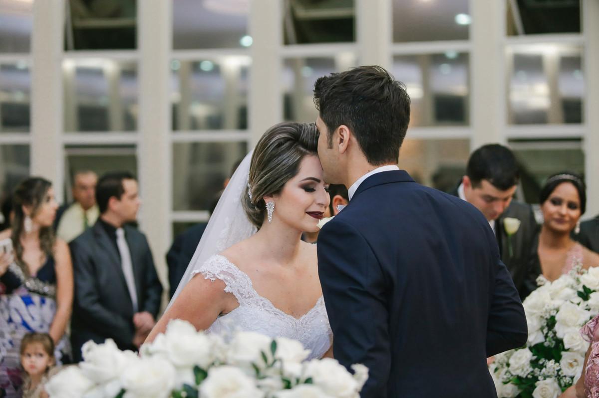 Beijo na noiva