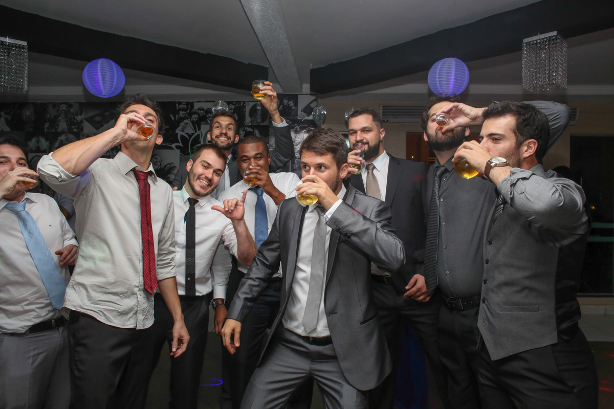 bebendo o noivo