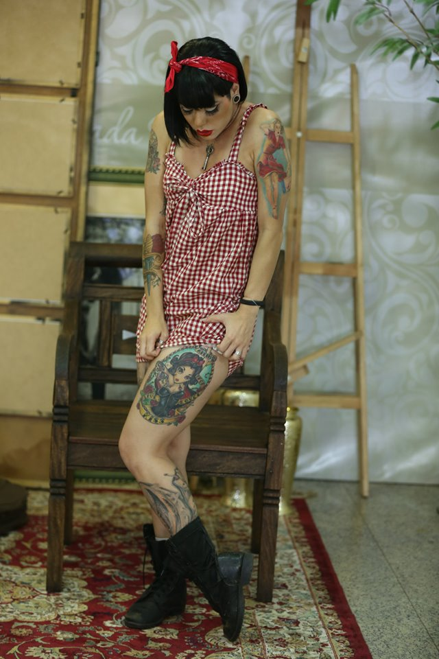 Foto de garota tatuada