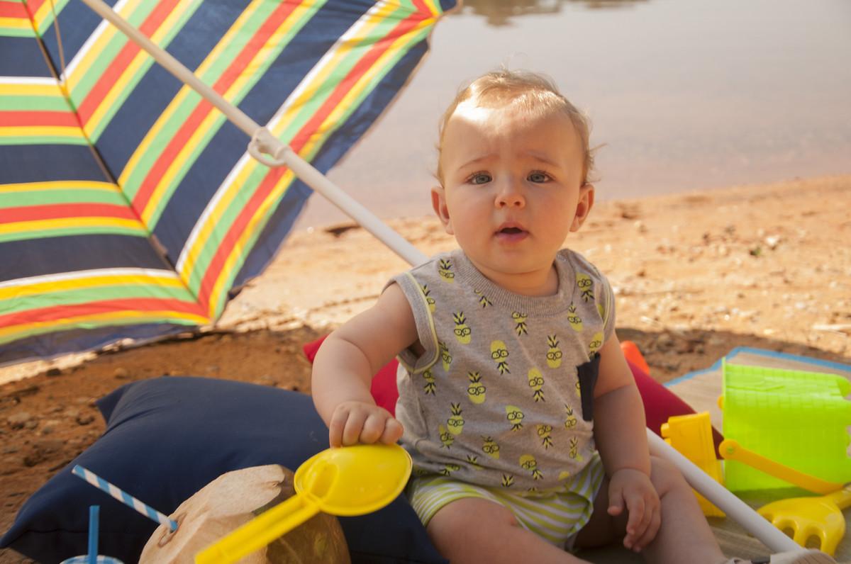 bebe na praia moda