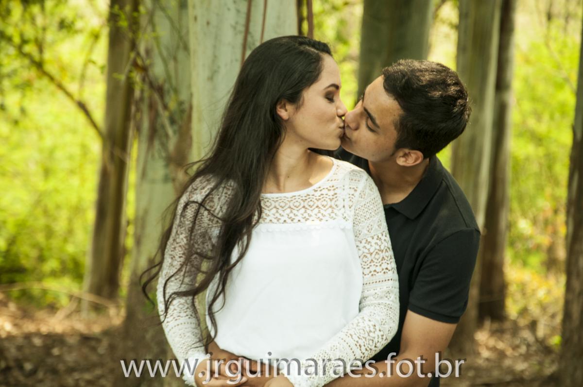 beijo em ensaio casal