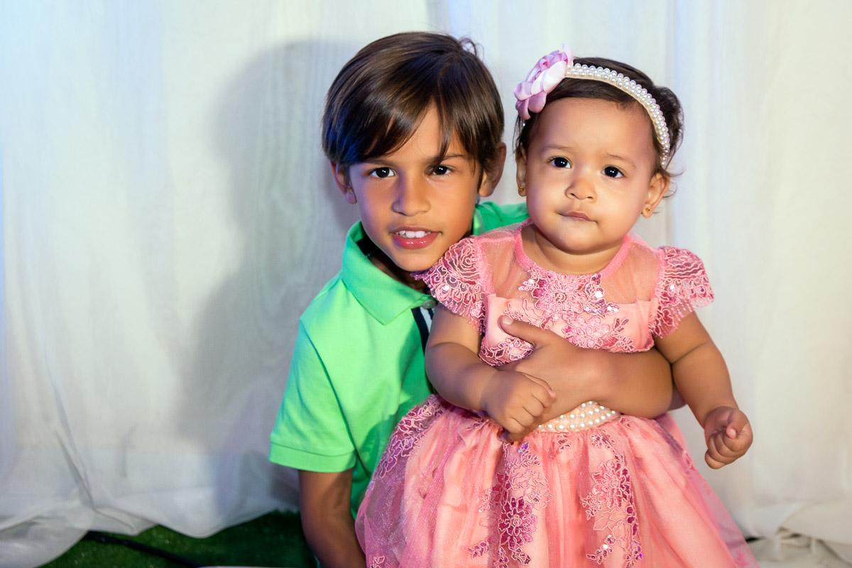aniversariante de 1 ano e irmão