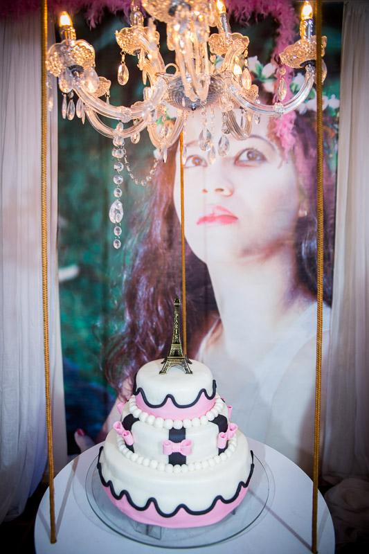 decoração aniversário de 15 anos bolo suspenso