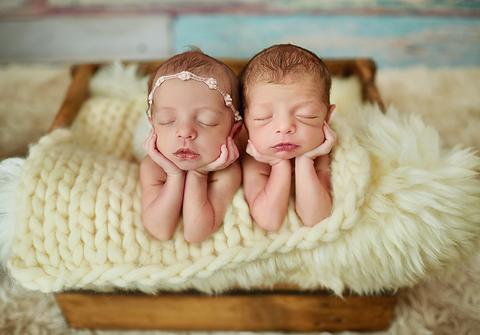 ensaio newborn de Ensaio Newborn dos Gêmeos Marcela e Nicolas