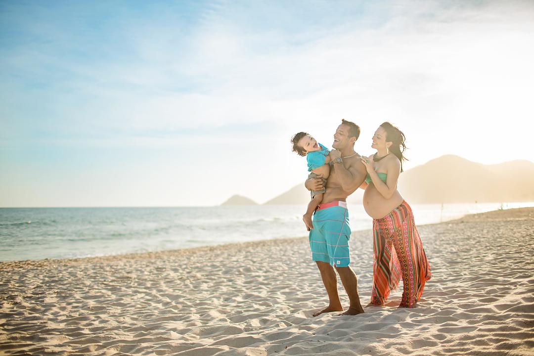 ensaio-de-gestante-na-praia