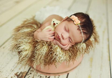ensaio newborn de Ensaio de Recém Nascido da Maria