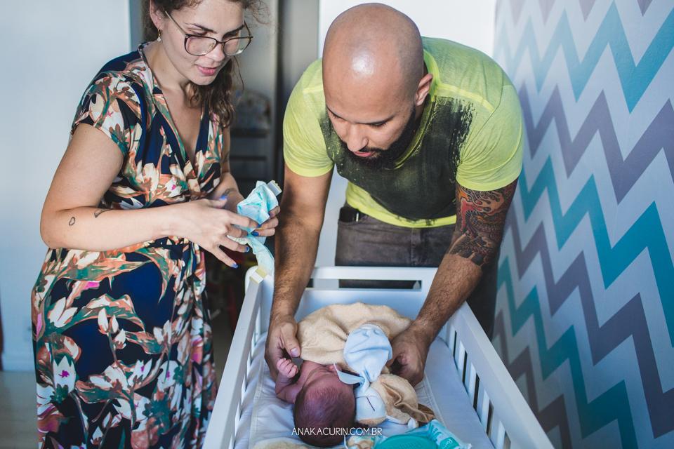 Parto natural hospitalar do Lucca, que aconteceu na Perinatal da Barra da Tijuca, fotografado por Ana Kacurin. A equipe foi compsta pela doutora Mayra Fontainhas, com a doula Karla Fuentes.