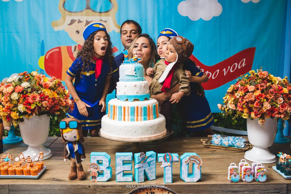 Festa de 1 ano do Bento, com o tema Aviador, fotografada por Ana Kacurin, no Rio de Janeiro