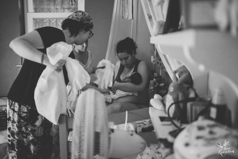 Parto domiciliar da bebê Malu, filha da mamãe Thalita Dol Essinger com assistência da enfermeira obstétrica Maíra Libertad, assistência de Marcella Pereira e doulagem de Paula Ceci Villaça.