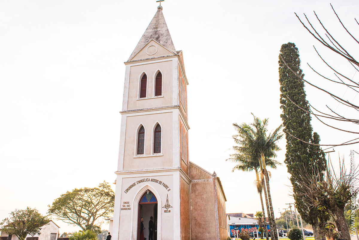 Foto panorâminca da igreja onde será o casamento dos noivos. Foto por Marco Moscarelli