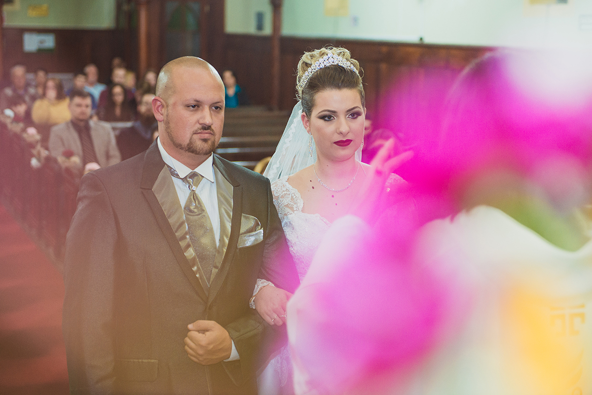 Detalhe dos noivos durante a cerimonia de casamento. Foto por Marco Moscarelli