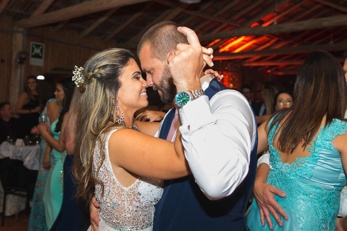Dança dos noivos. Foto Marco Moscarelli. Casamento Clube Caça e Pesca Pelotas