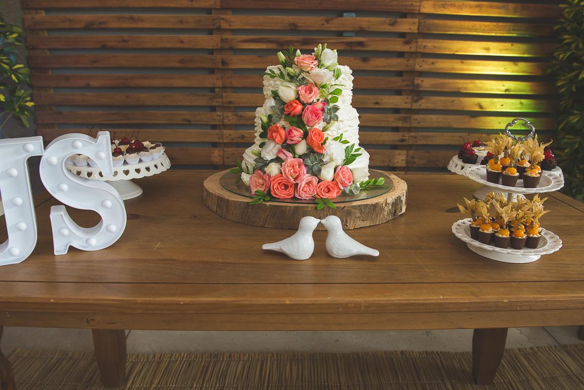 Fotografia da mesa dos noivos na recepção após o casamento. Foto por Marco Moscarelli Fotógrafo