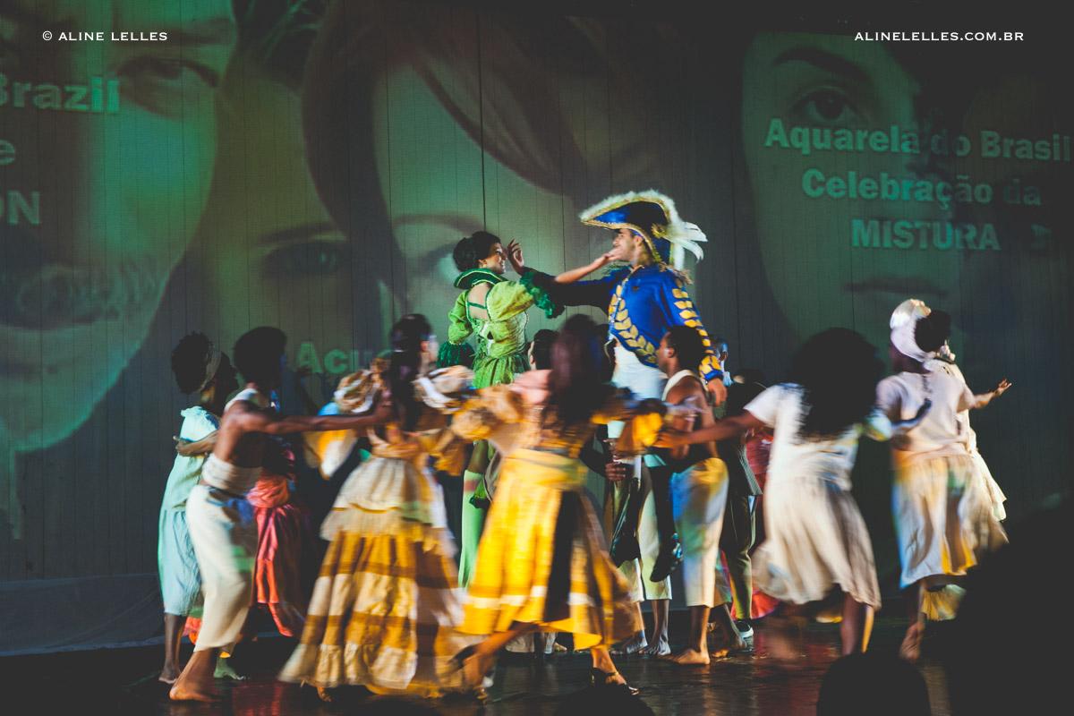 Affective Photography Aline Lelles and Rodrigo Wittitz, Family Photography, Happy People Photography, Lifestyle Photography, Dance Picture, Stage Shot, Viva Brasil, Jaime Aroxa - RJ