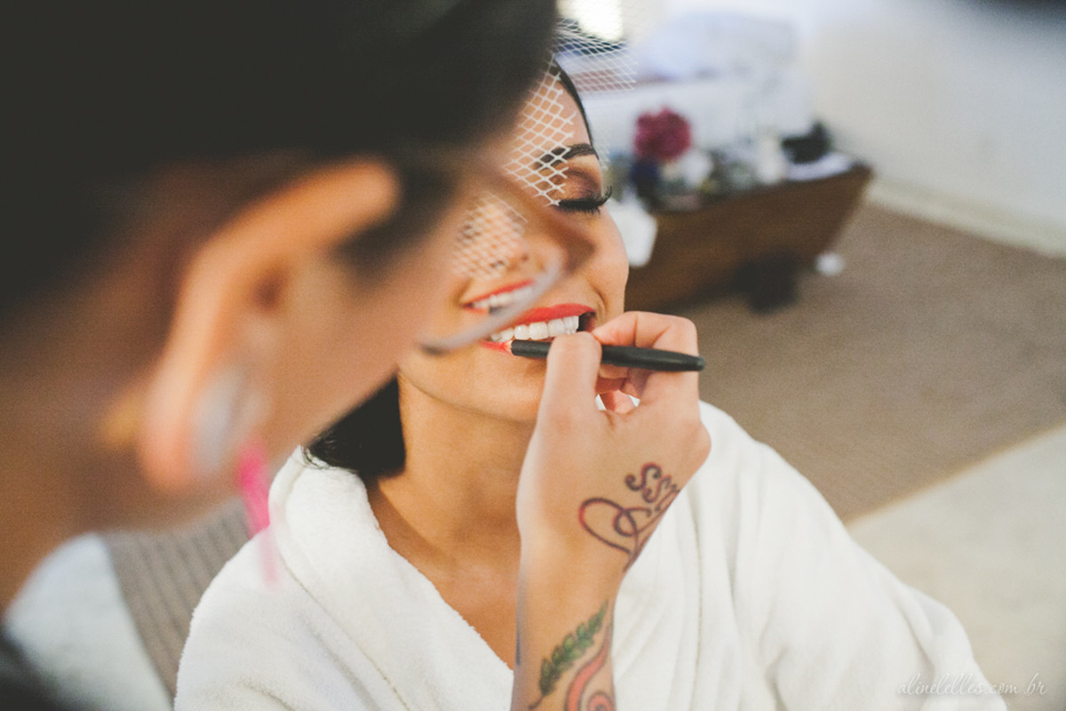 Fotografia Afetiva Aline Lelles Rodrigo Wittitz, Fotografia de Casamento, making off da noiva, Festa de Casamento, Bouquet, Decoração de Casamento, Vestido de Noiva, Hotel Santa Teresa - RJ