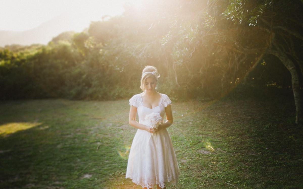 Fotografia Afetiva Aline Lelles Rodrigo Wittitz, Fotografia de Casamento, making off da noiva, Festa de Casamento, Grumari Beach Garden, RJ, Bouquet, Decoração de Casamento, Vestido de Noiva, H Stern
