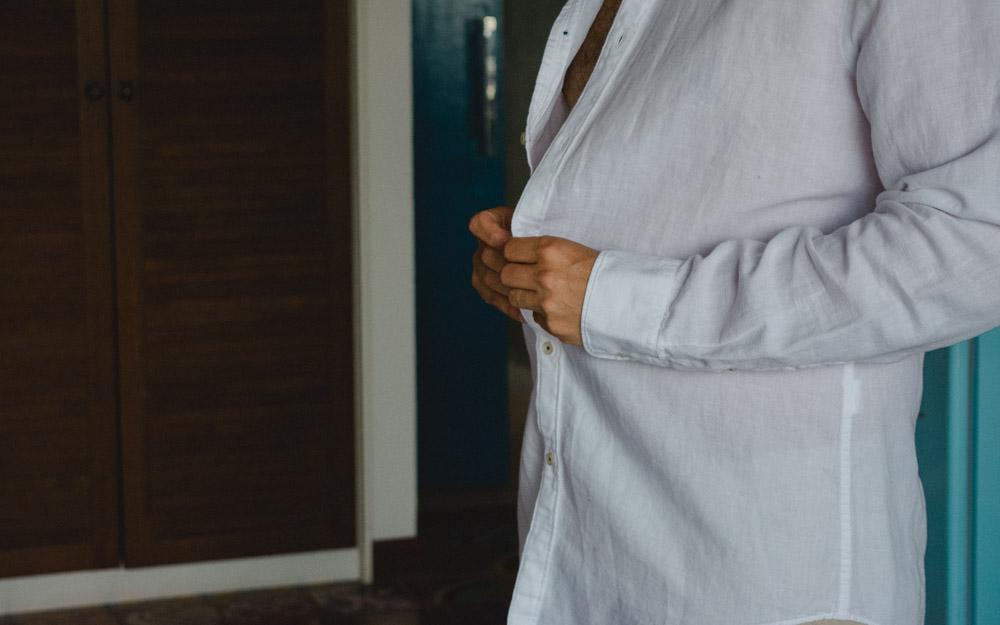 Moment of the Groom | Fotografia de Casamento | Fotos de Noivo | Bruno se preparando para o segundo grande dia, 10 anos depois do Primeiro e nervoso da mesma forma.