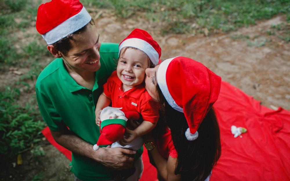Muito carinho amor no ensaio externo com a família do Antônio | Ensaio de Natal | Fotos de Natal