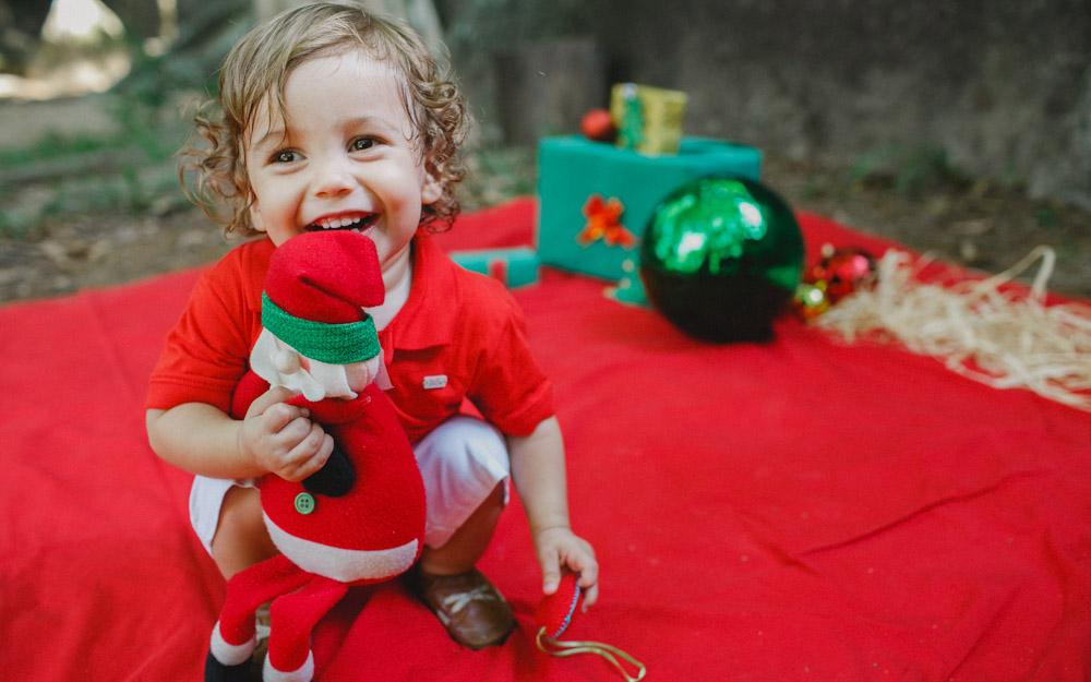 Aline Lelles fez um ensaio fotográfico fora do comum.... Natal na Reserva do Grajáu Rio de Janeiro - RJ