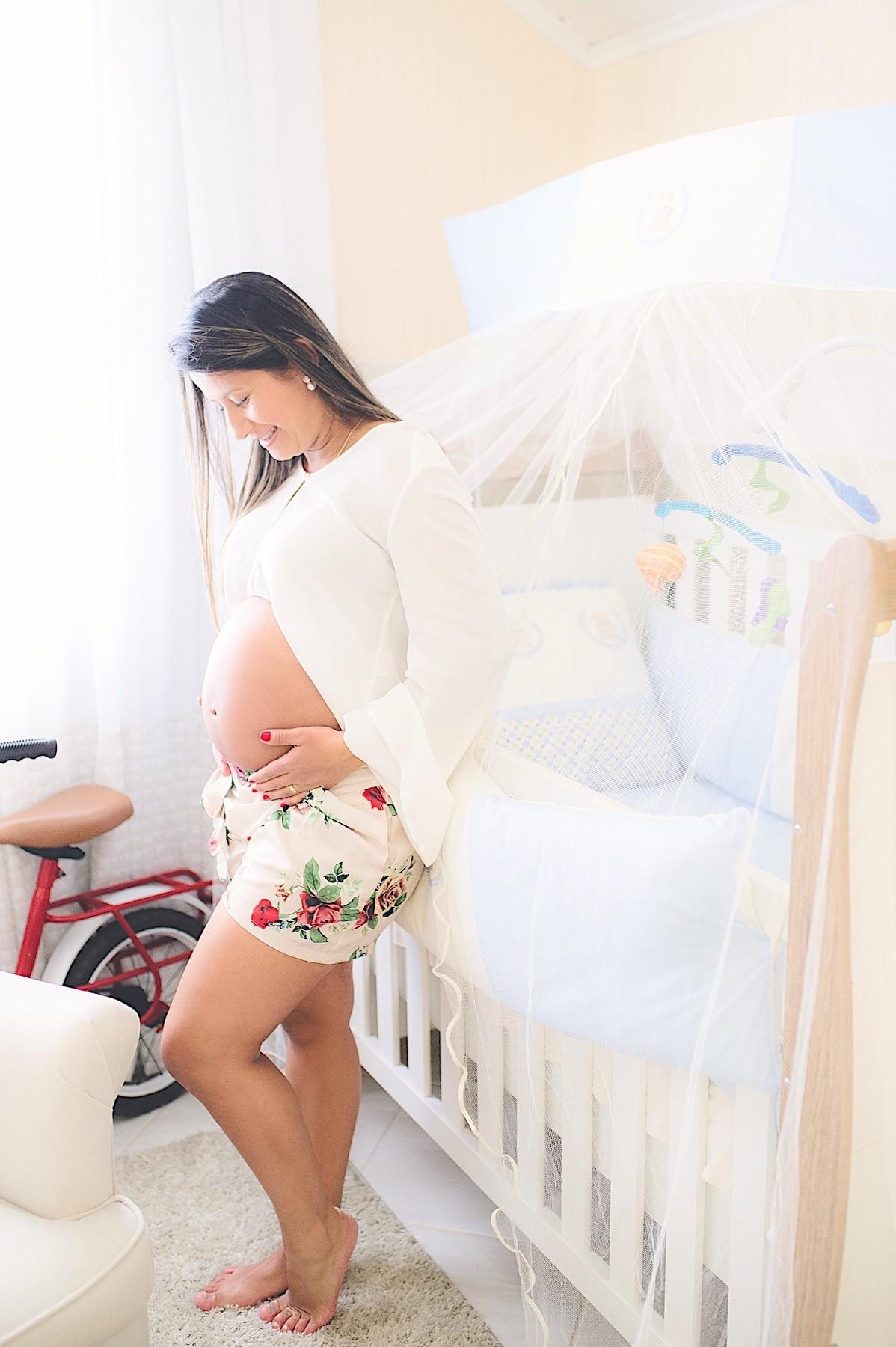 ensaio gestante - ensaio em casa - mãe de menino - são bento do sul - fotógrafo - chroma fotografia
