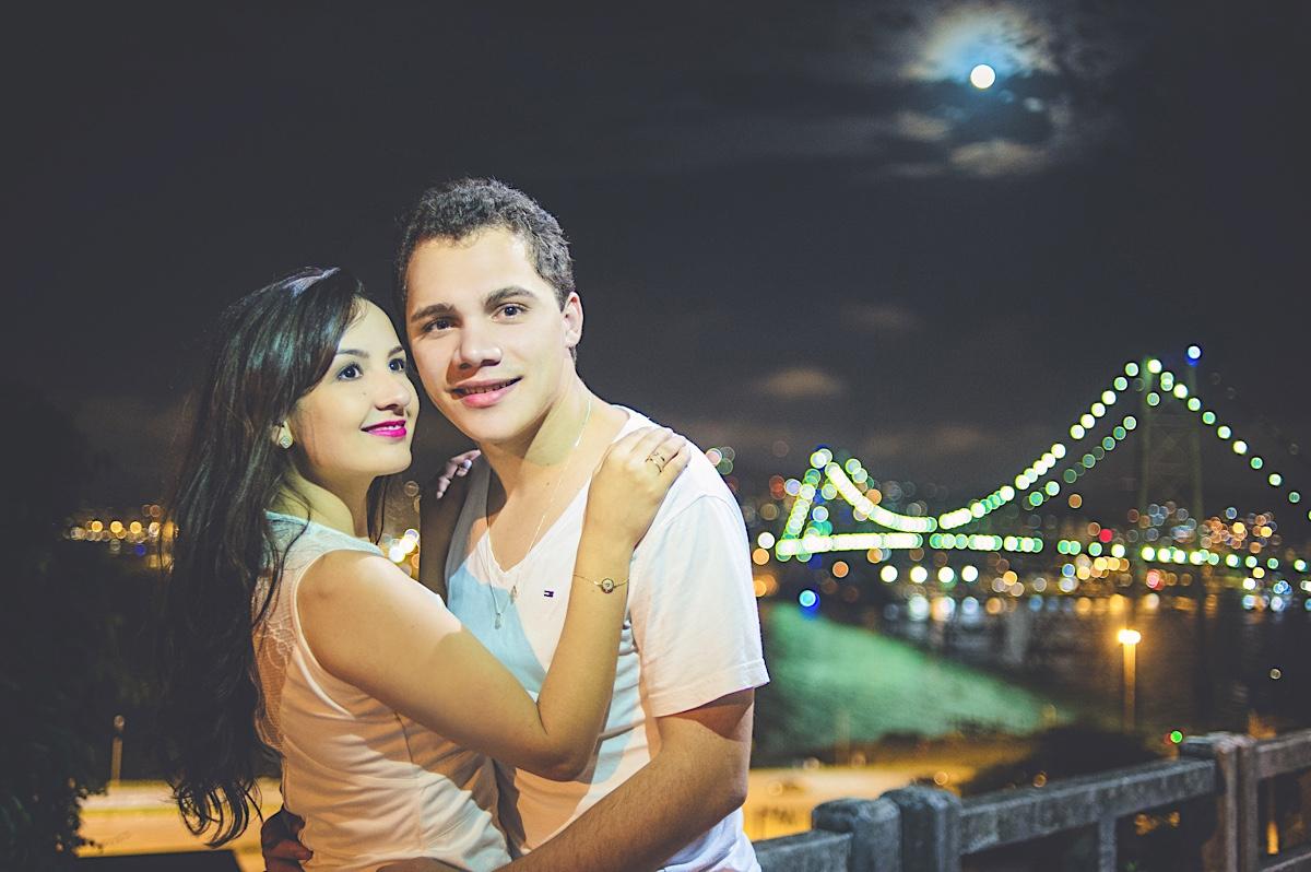 pré-casamento - pre wedding - paolla - éliton - casal - couple - florianópolis - floripa - ensaio casal - ponte hercílio luz - chroma fotografia