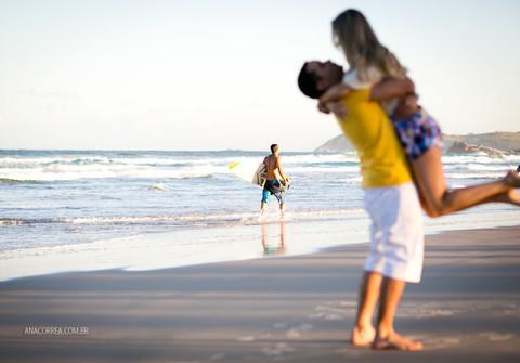 Engagement Session de Ensaio Paula & Guilherme | Praia da Ferrugem
