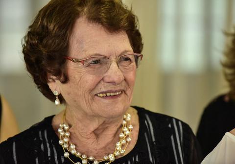 Aniversários de 90 anos Ophélia