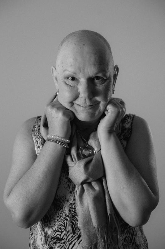 """Foto de Exposição Fotográfica """"A autoestima e o câncer de mama"""""""