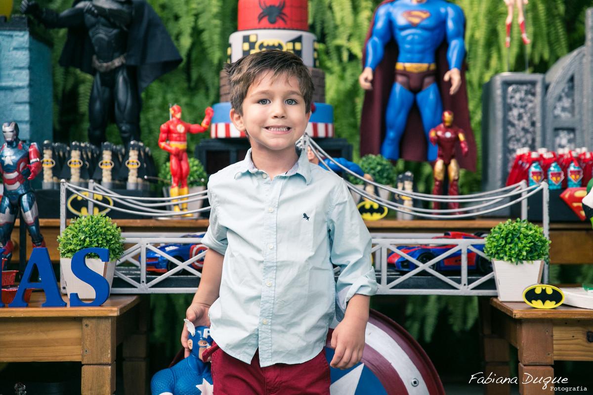 festa infantil tema super heróis