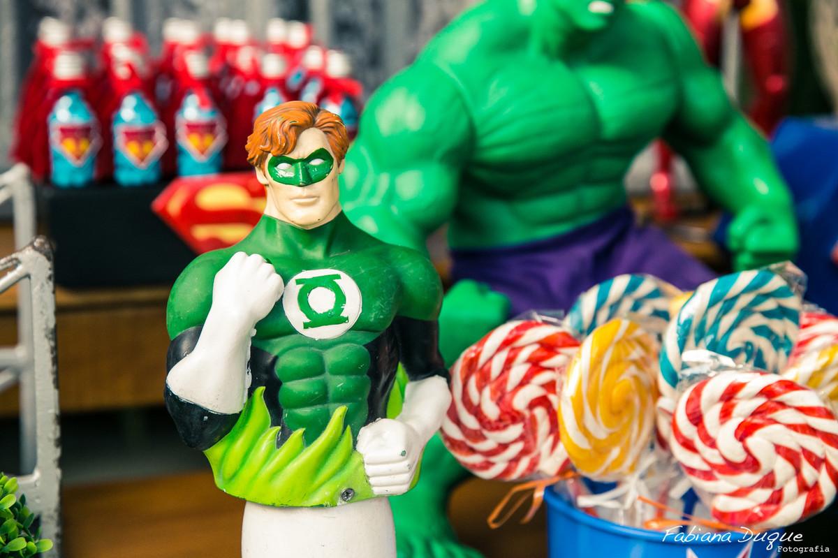 festa de menino tema dos super heróis