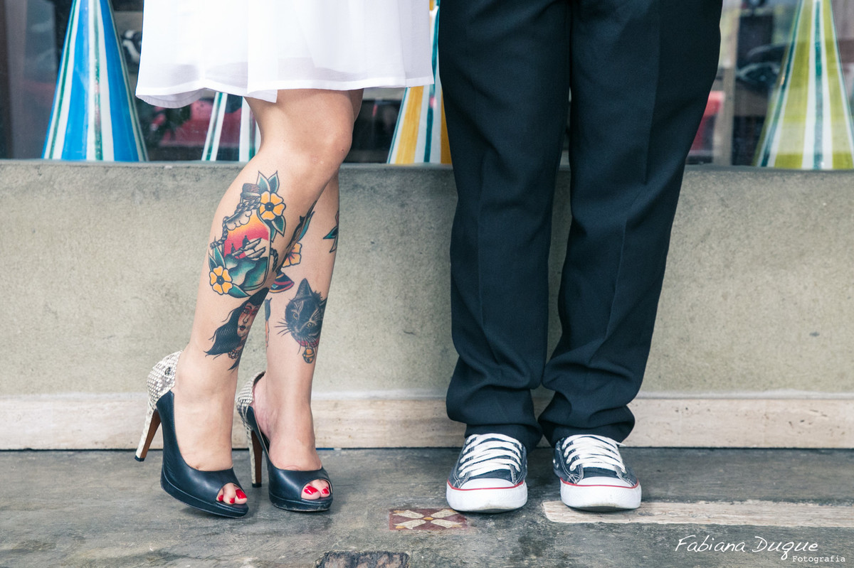 Noiva tatuada, noivos estilosos, ensaio dos noivos