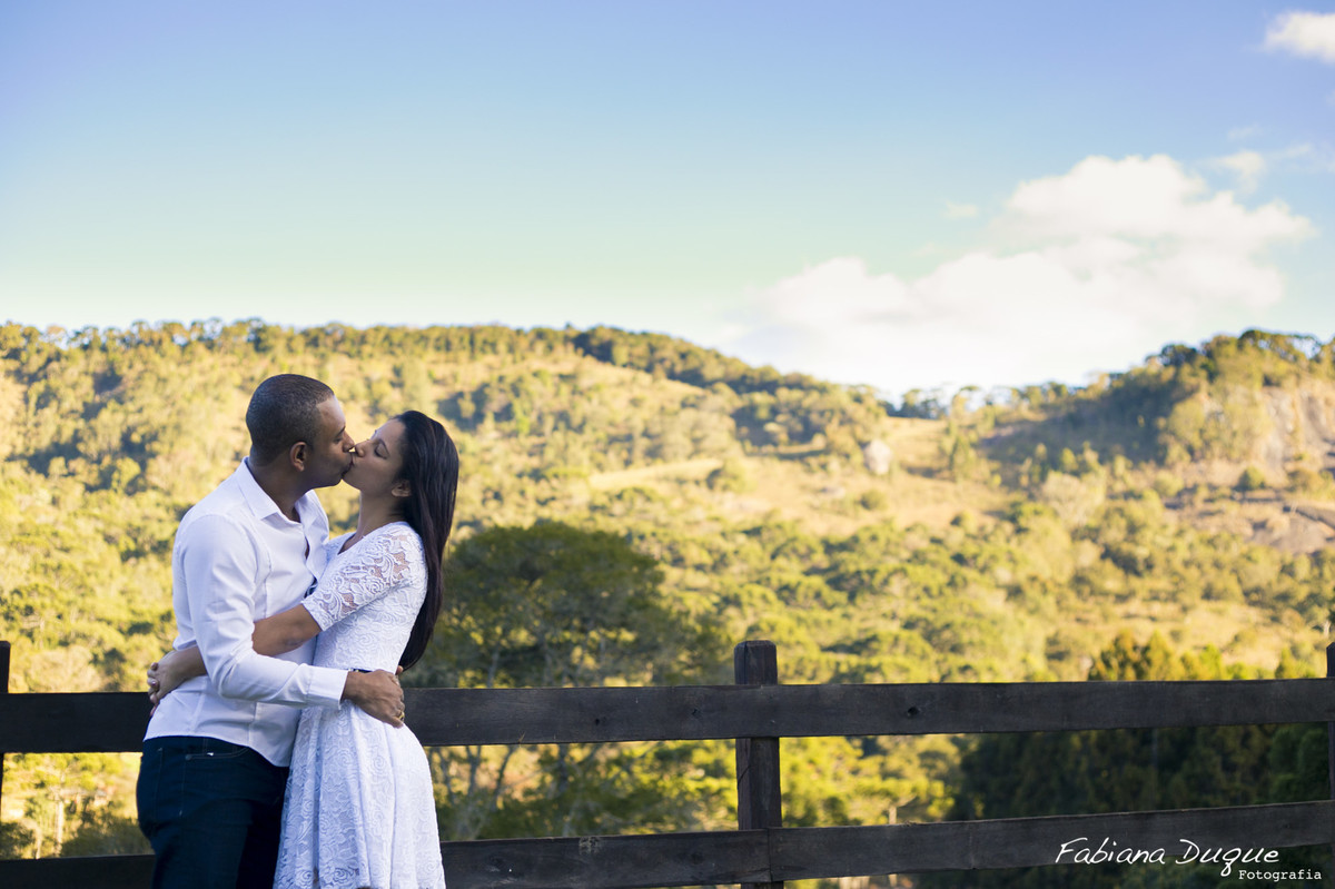 Ensaio de casal em Monte verde, Minas Gerais, fotografado por Fabiana Duque Fotografia