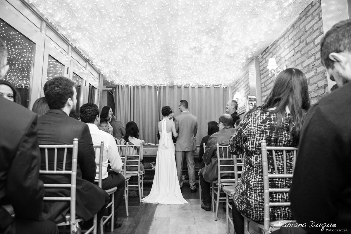 Cerimônia com teto de luzinha