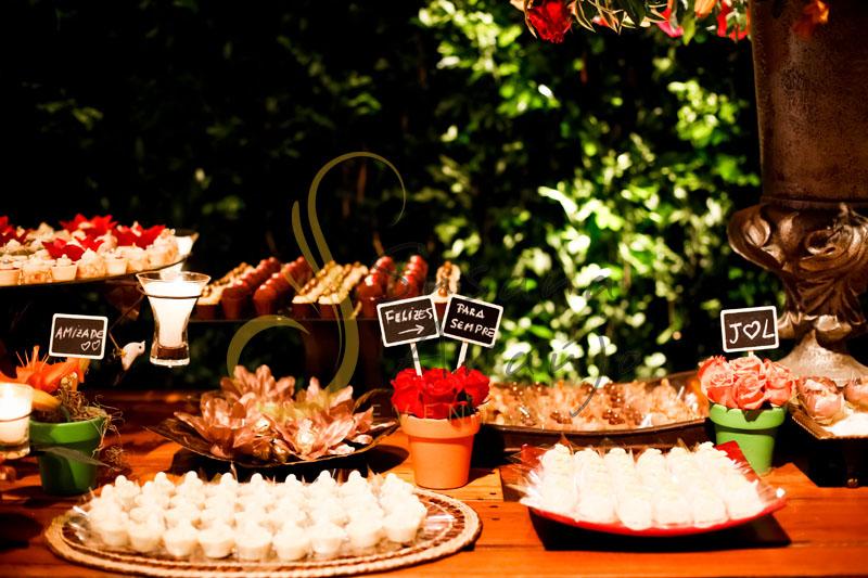 Casamento Zéfiro Niterói - mesa de doces, docinhos
