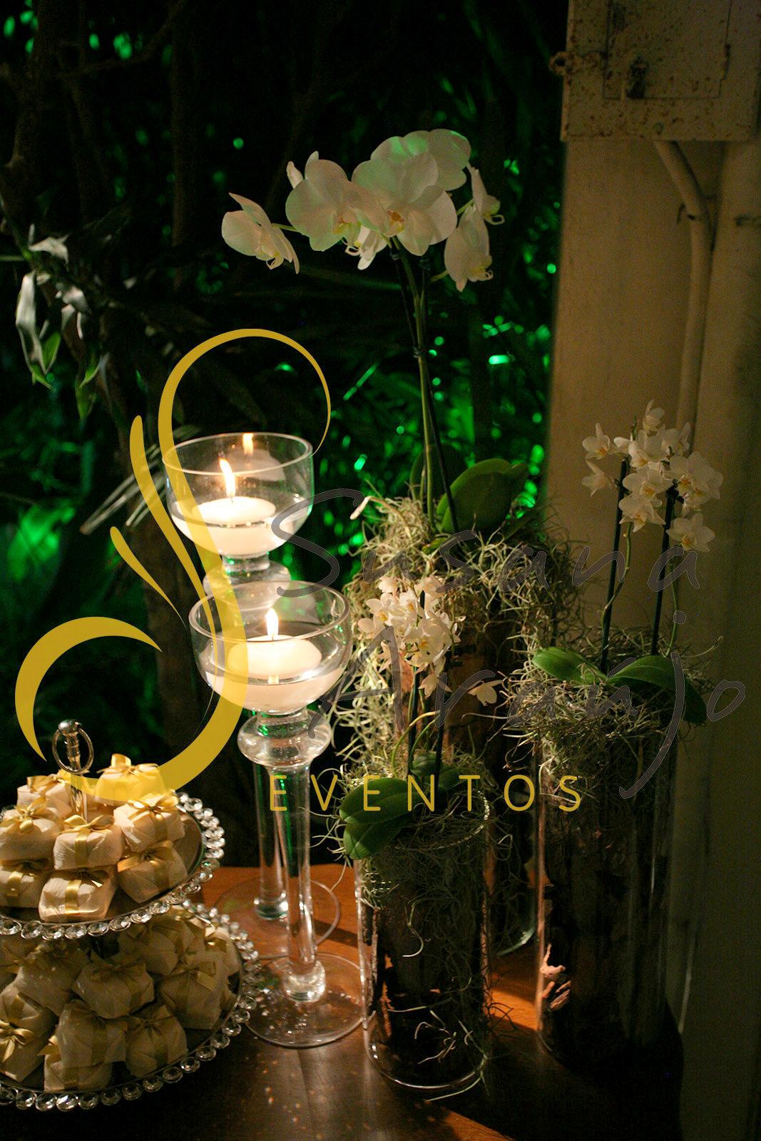 Decoração flores orquidea phaleanopsis branca composição vidros