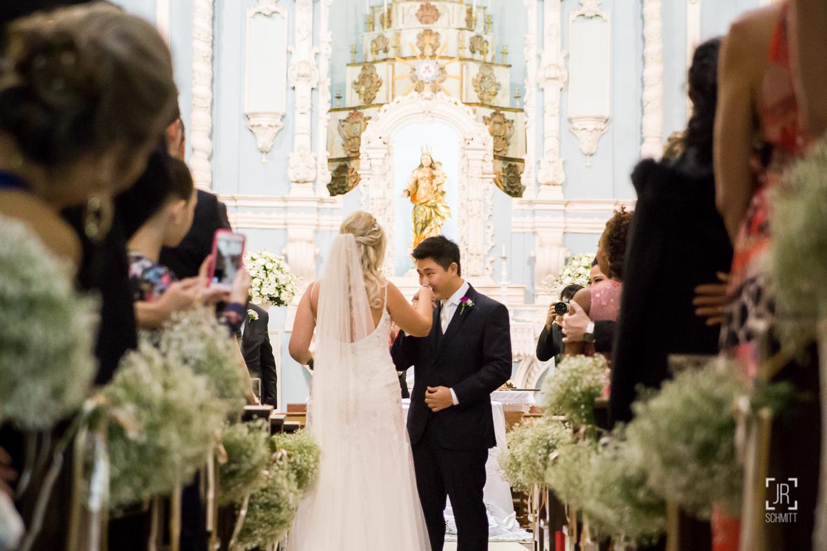 noivo recebendo a noiva