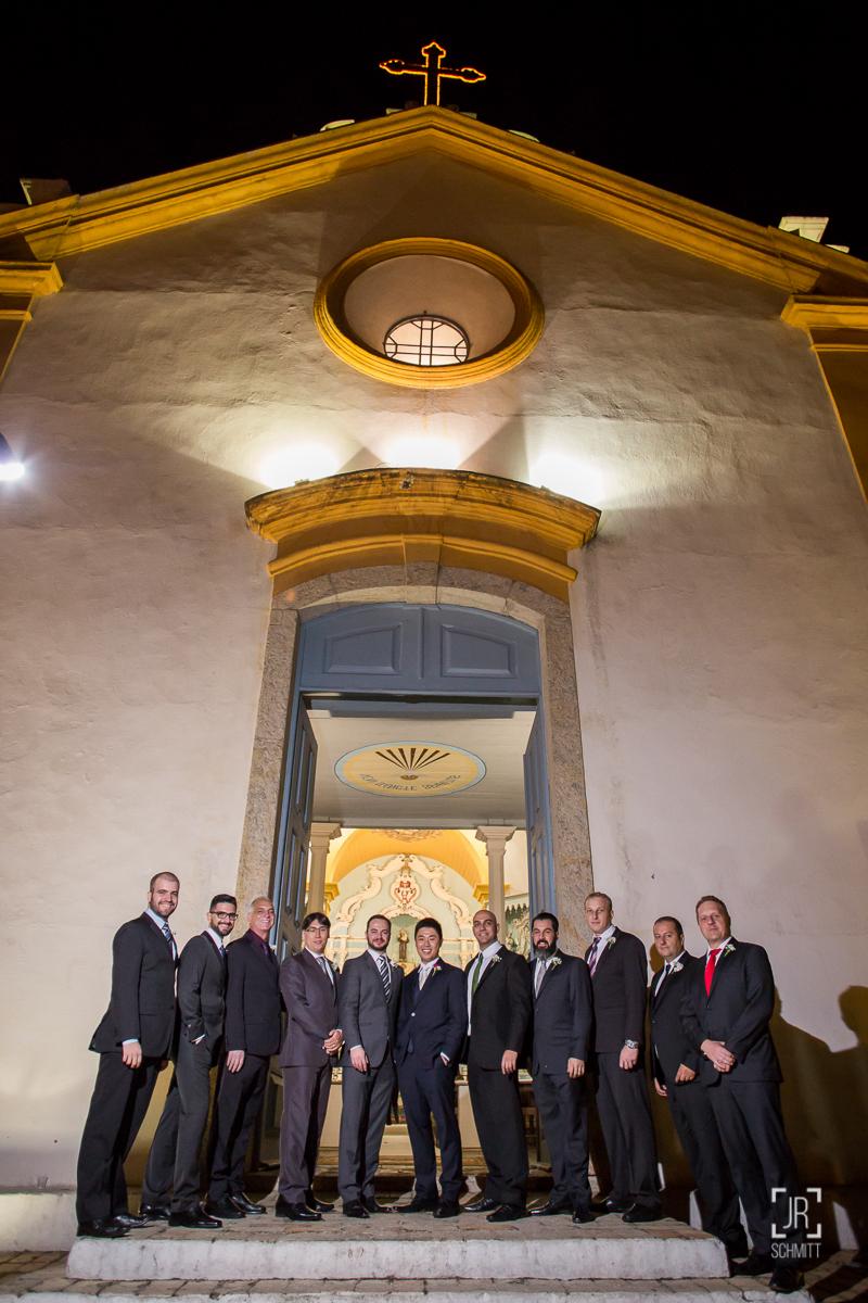 foto dos padrinhos na igreja de santo antonio de lisboa