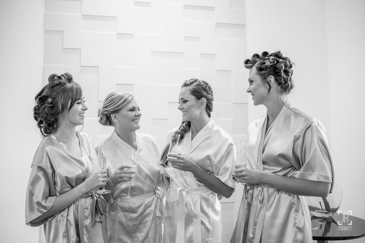 brinde das irmãs com a mãe da noiva