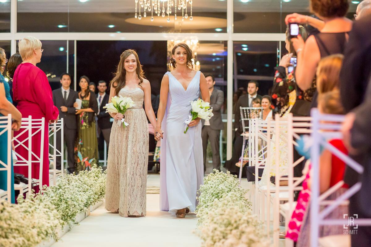 entrada irmãs da noiva daminhas adultas