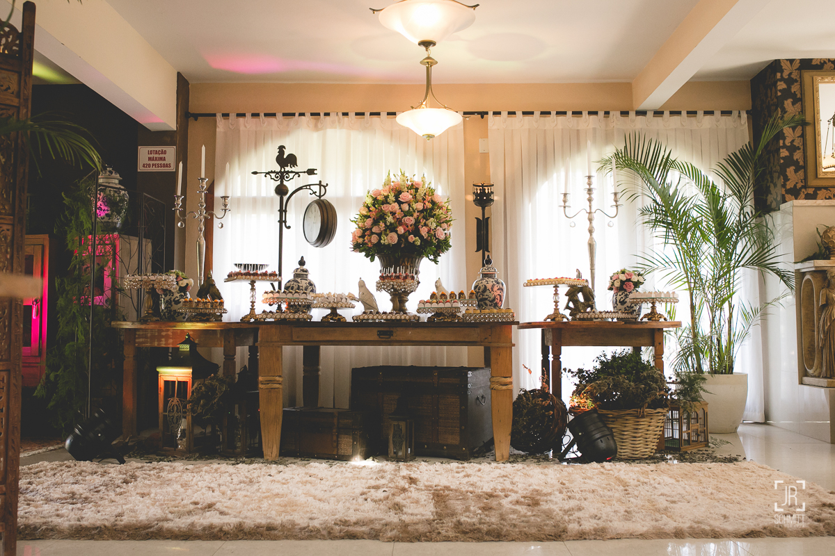 Mesa de doces - casamento de dia