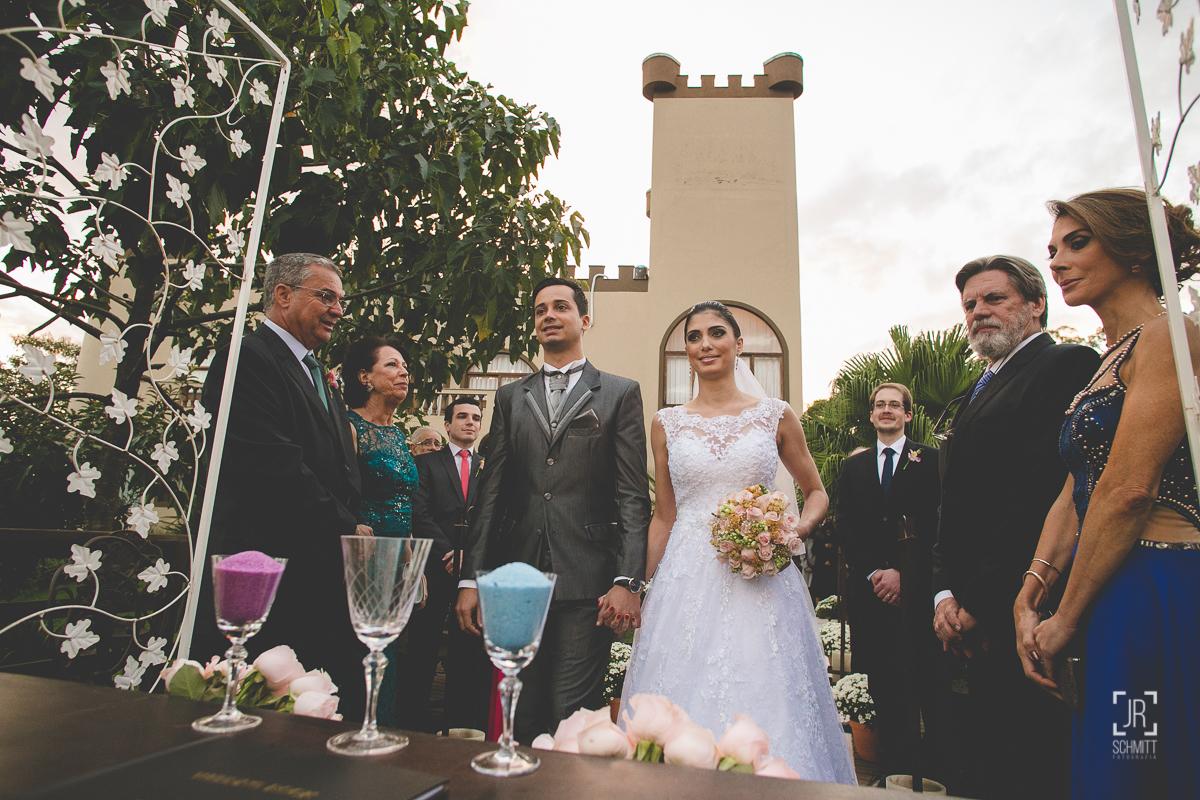 noivos na cerimônia - casamento de dia