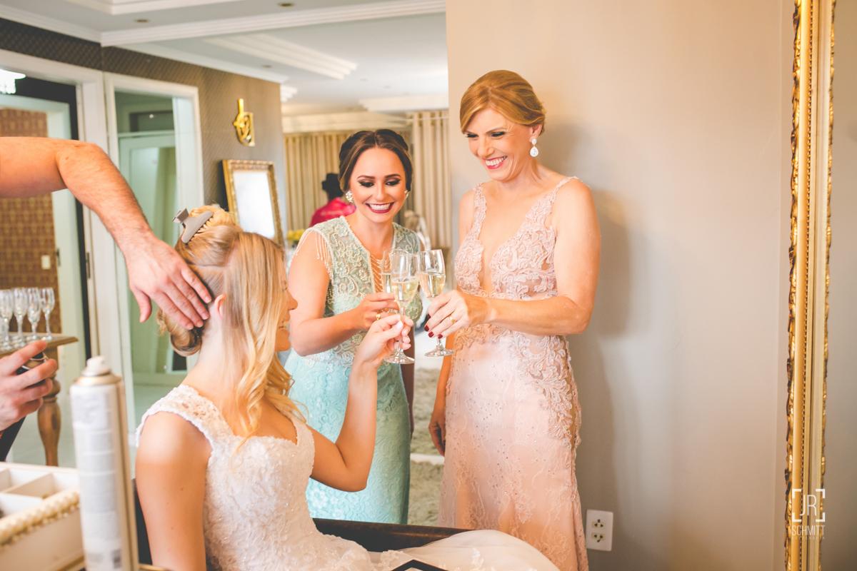 brinde noiva no salão