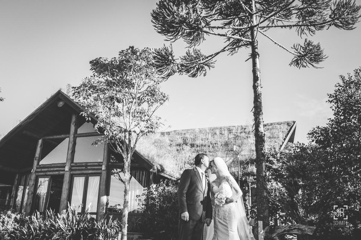 o beijo do pai da noiva minutos antes da entrada da noiva