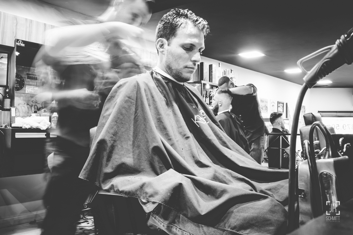 fazendo a barba no dia do casamento - noivo